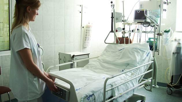 Nové polohovací lůžko v Nemocnici Třinec.