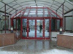 Vchod do okresního soudu ve Frýdku-Místku.