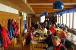 Na Lysé hoře v Beskydech už se turisté mohou občerstvit v nové Bezručově chatě.