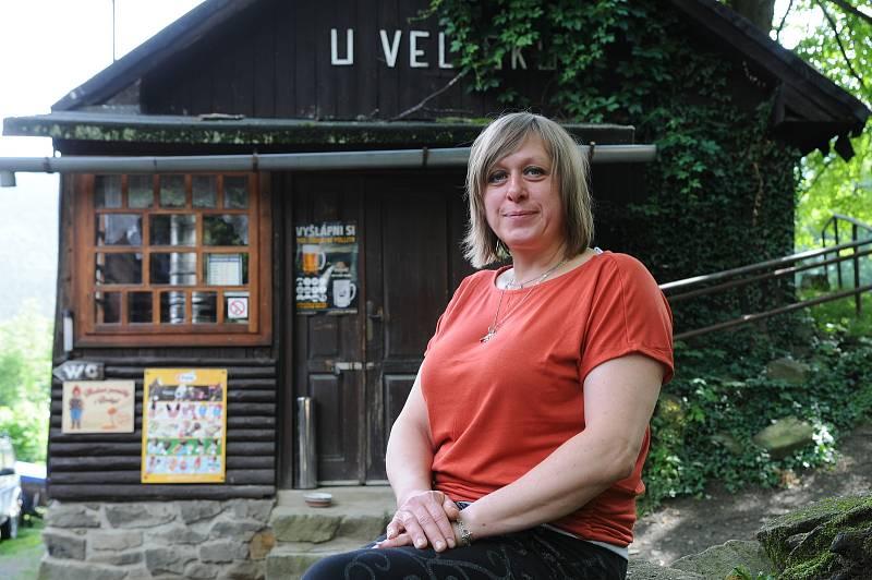 Romana Veličková pokračuje v rodinné tradici. Provozuje Hospodu U Veličků.