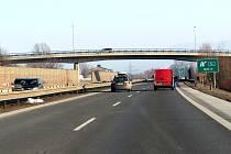 Dálnice D48 odvedla dopravu z obcí, hluk však obyvatele stále trápí. Ilustrační snímek.