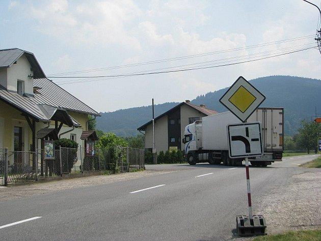 Tudy jsme projížděli. Cesta na Jablunkov vede i přes tento úsek v Oldřichovicích.