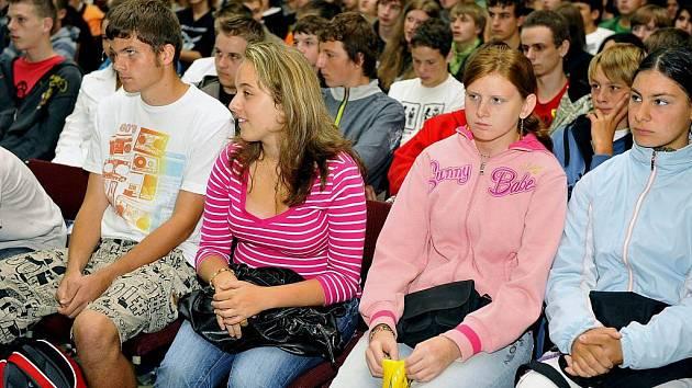Slavnostní otevření střední školy v třineckých železárnách.