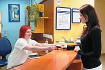 Platba kartou v Nemocnici Podlesí v Třinci.