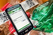 Nový systém třídění odpadů pracuje s QR kódy, díky kterým má město i občané větší přehled o obecním odpadu.