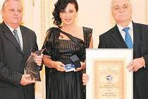 Národní cenu ČR převzala za město třinecká starostka Věra Palkovská. Akce se konala 27. listopadu ve Španělském sále Pražského hradu.