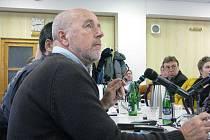 V Třinci se hlasovalo o prodeji městského majetku za přibližně tři miliony korun. Na snímku zastupitel Karel Bieringer.