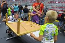 Děti z Třince zakončily prázdniny v sobotu odpoledne ve Werk Areně. Čekalo na ně odpoledne plné soutěží, hudby a zábavy.