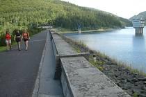 Pohled z hráze přehrady Šance.