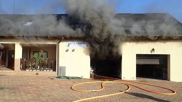 Požár garáže v Palkovicích.