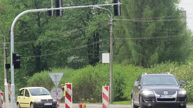 Křižovatka U Rady Rady ve Frýdku-Místku má nové semafory.