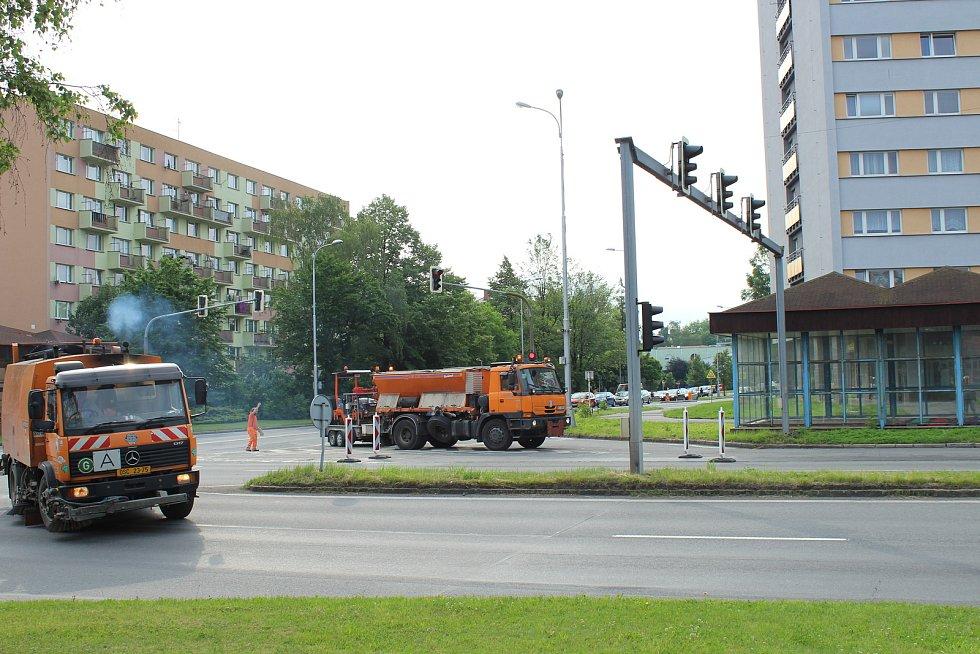 Řidiči uvízli ve Frýdku-Místku ráno v kolonách.
