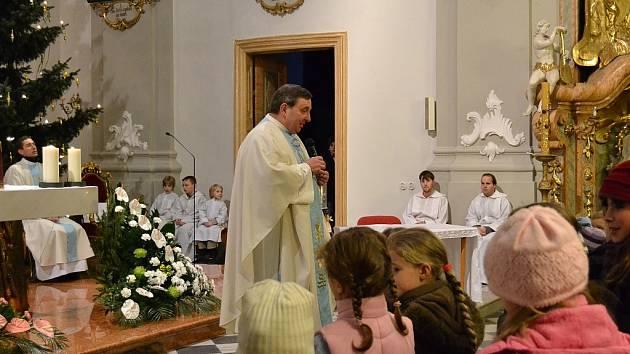 Josef Maňák během sváteční bohoslužby.