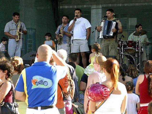 K vrcholům festivalu patřil koncert romské kapely GipsiWerk.