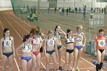 Start závodu v chůzi.