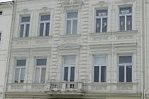 Zájemci si mohou v dražbě od města koupit i tento dům na náměstí Svobody v Místku.