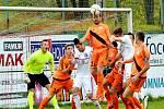 V derby se nakonec body dělily. Třinec v domácím prostředí hrál s Valcíři 1:1.