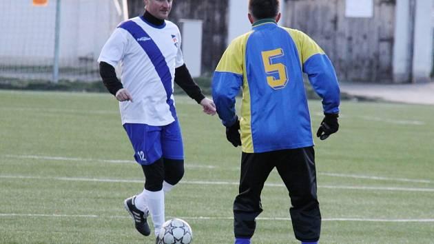 Karel Orel v zápase silvestrovského derby bývalých frýdecko-místeckých rivalů.