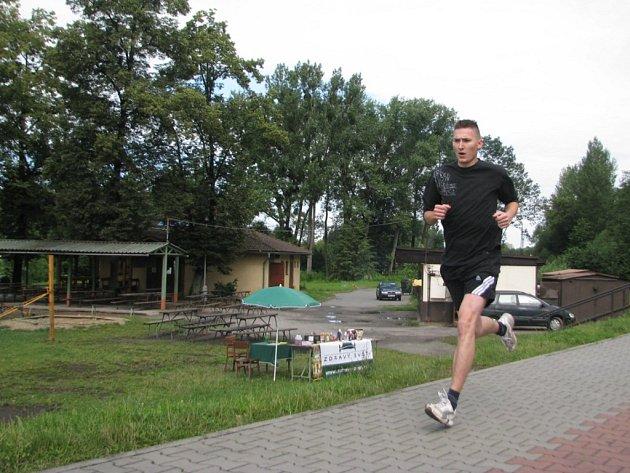 Mezi prvními doběhl do cíle 24letý Jaromír Hosch.