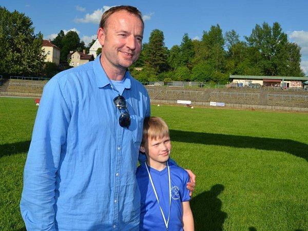 Na závodníky dohlížel ve Frýdku-Místku trojnásobný světový šampión vdesetiboji Tomáš Dvořák.