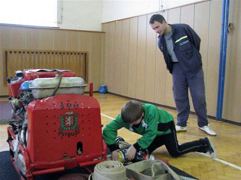 Sbor dobrovolných hasičů Pstruží v sobotu 13. února uspořádal 6. ročník dětské soutěže v hasičské zručnosti.