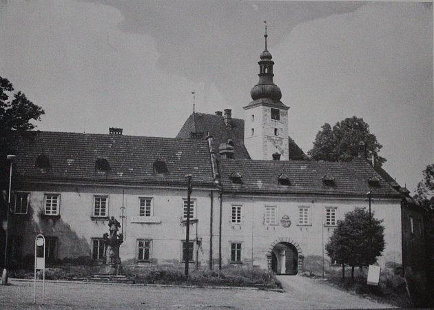 Frýdecký zámek sloužil šlechtě iúředníkům.