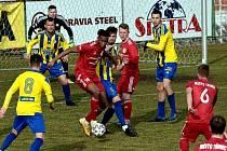 Třinec v hektickém závěru dostal dva góly a doma remizoval s Duklou.