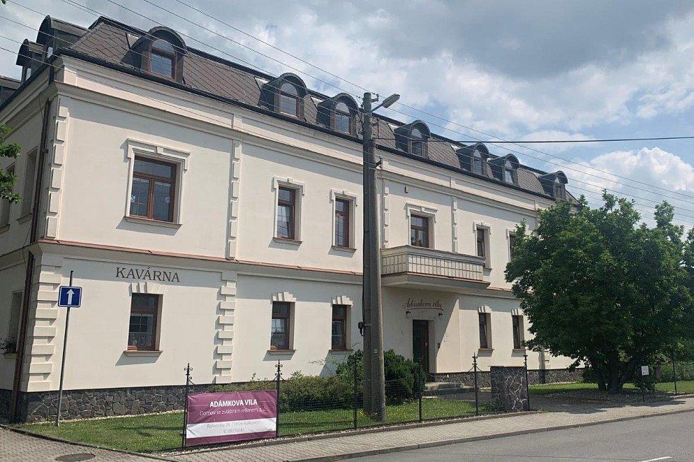 Deník na návštěvě v Raškovicích - Adámkova vila.