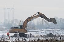 Těžba bahna na Olešné.