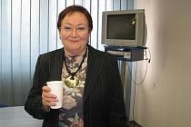 Oceněná zdravotní sestra Libuše Koppová se věnuje i vzdělávací a přednáškové činnosti. Na snímku během přestávky ve vzdělávacím středisku v Třinci-Kanadě.