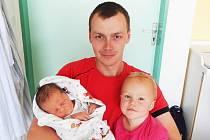 Matěj Sikora a sestra Judit, Guty, nar. 16. 6., 53 cm, 3,88 kg. Nemocnice Frýdek-Místek.