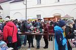 Vánoční jarmark na frýdeckém zámku přilákal davy lidí.
