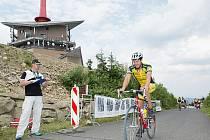 Amatérští cyklisté mají za sebou republikové mistrovství s cílem na Lysé hoře.