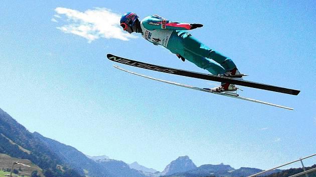 Kozlovický skokan na lyžích Zbyněk Mikeska (na snímku) získal na nedávném evropském šampionátu veteránů dvě zlaté medaile.
