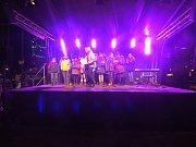 Ve středu 13. prosince v 18 hodin rozezpíval Štývarův dětský sbor náměstí Svobody v Třinci.