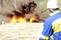 Pořízený snímek je důkazem toho, že výbuchy hořlavých látek by se rozhodně neměly podceňovat.