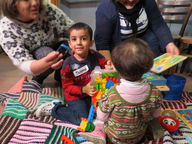 Ve Smilovicích se uprchlíkům z Iráku líbí.