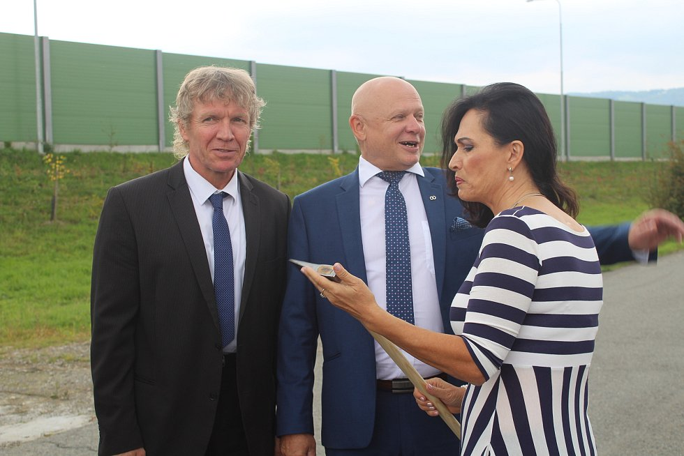 Slavnostní zahájení dostavby posledního chybějícího úseku obchvatu Třince, září 2019.