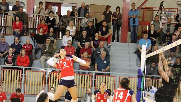 Volejbalistky Frýdku-Místku udělaly první krok k zisku bronzových medailí, když v domácím zápase porazily Ostravu 3:0 (hraje se na dva vítězné zápasy).
