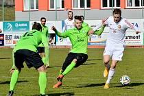 Druholigoví fotbalisté Třince v úvodním jarním kole FNL zdolali na svém trávníku 1:0 celek Mostu.