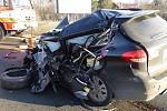 Při nehodě v prosinci 2013 zemřeli v Kunčičkách u Bašky na silnici I/56 dva lidé.
