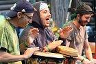 V Dolní Lomné měl zlatý slavík Tomáš Klus 1. srpna svou koncertní zastávku a zahrál a zazpíval před více než třemi tisíci svých fanoušků. Předkapelu mu dělali amatérští muzikanti ze střediska Oáza, což je kulturní zařízení pro lidi s mentálním postižením