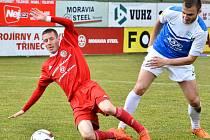 Táborský Adnan Džafič atakuje domácího Stříže.