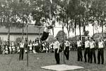 Veřejná cvičení tělovýchovných spolků patřila ke společenským událostem i několikrát do roka. Snímek z roku 1946 zachycuje první veřejné cvičení nyní již sjednocené tělovýchovy po 2. světové válce.