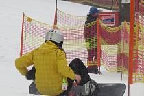 Lyžaři se mohou radovat, konečně dorazila zima. Snímek je z lyžařského areálu v Palkovicích.