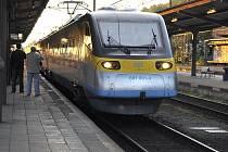 Pendolino na třineckém vlakovém nádraží.