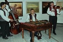 Výstava zájmové umělecké činnosti v Beskydech má velkou tradici. Na snímku jeden z předchozích ročníků. Ilustrační foto.
