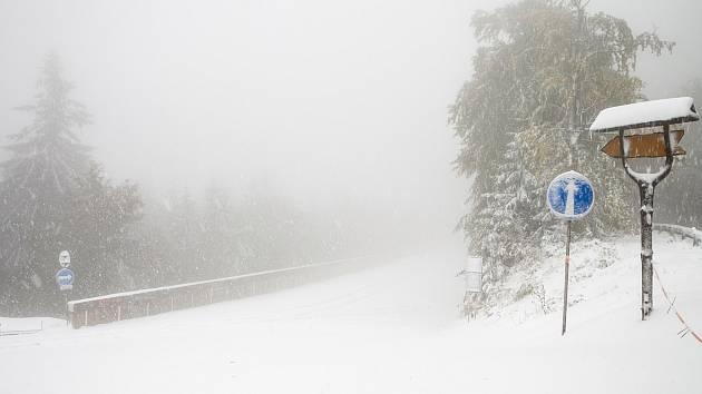 Sníh v Beskydech. Ilustrační foto.