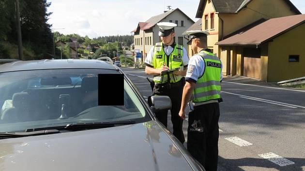Policisté kontrolovali řidiče, naměřili mu 3,1 promile alkoholu v dechu.