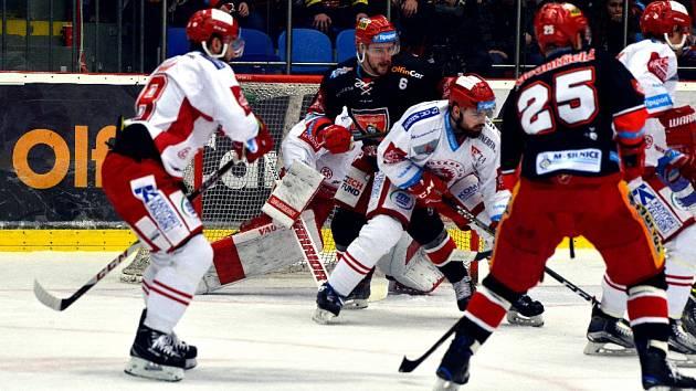 Hokejová extraliga - semifinále play-off: Hradec Králové - Třinec